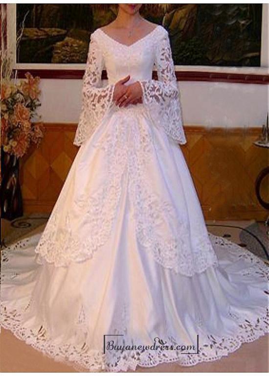Свадьба - Beautiful Elegant Exquisite Satin V-neck Wedding Dress In Great Handwork