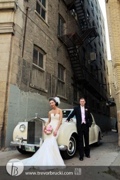 Mariage - The Getaway Car!