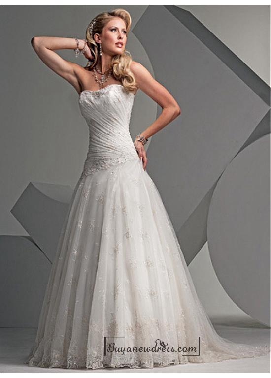 Свадьба - Beautiful Elegant Lace A-line Strapless Wedding Dress In Great Handwork