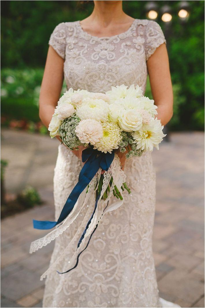 Mariage - Romantic And Elegant Blue Franciscan Gardens Wedding Inspirational Shoot