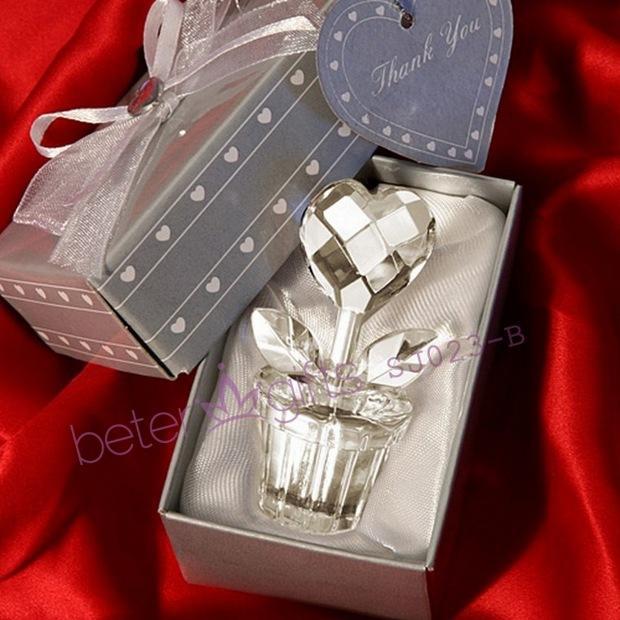 Mariage - Aliexpress Souvenir wholesale SJ023/B Crystal Heart Design Flower Pot Favours Wedding Favor, Wedding Gift