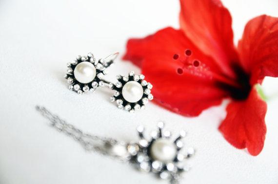 Свадьба - #pearl #wedding #bridal #bridesmaids #sparkle #artdeco #jewelry #clearcrystal #swarovski #rhinestone #necklace #earrings #gift #chic