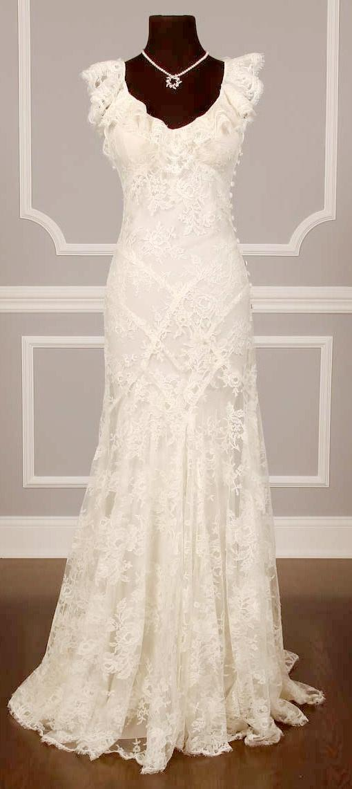 Monique Lhuillier Monique Lhuillier Chantilly Lace Couture Bridal Go ...