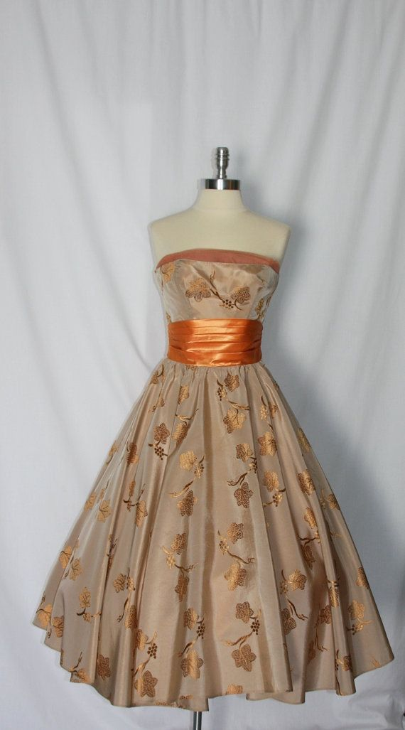 Wedding - Vintage 1950's Dress - Incredible Strapless Embroidered Grapes And Vines Full Skirt Wedding Party Frock