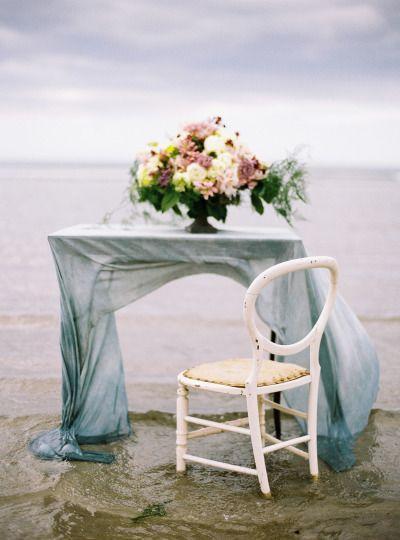 Hochzeit - Ethereal Seaside Ireland Inspiration Shoot