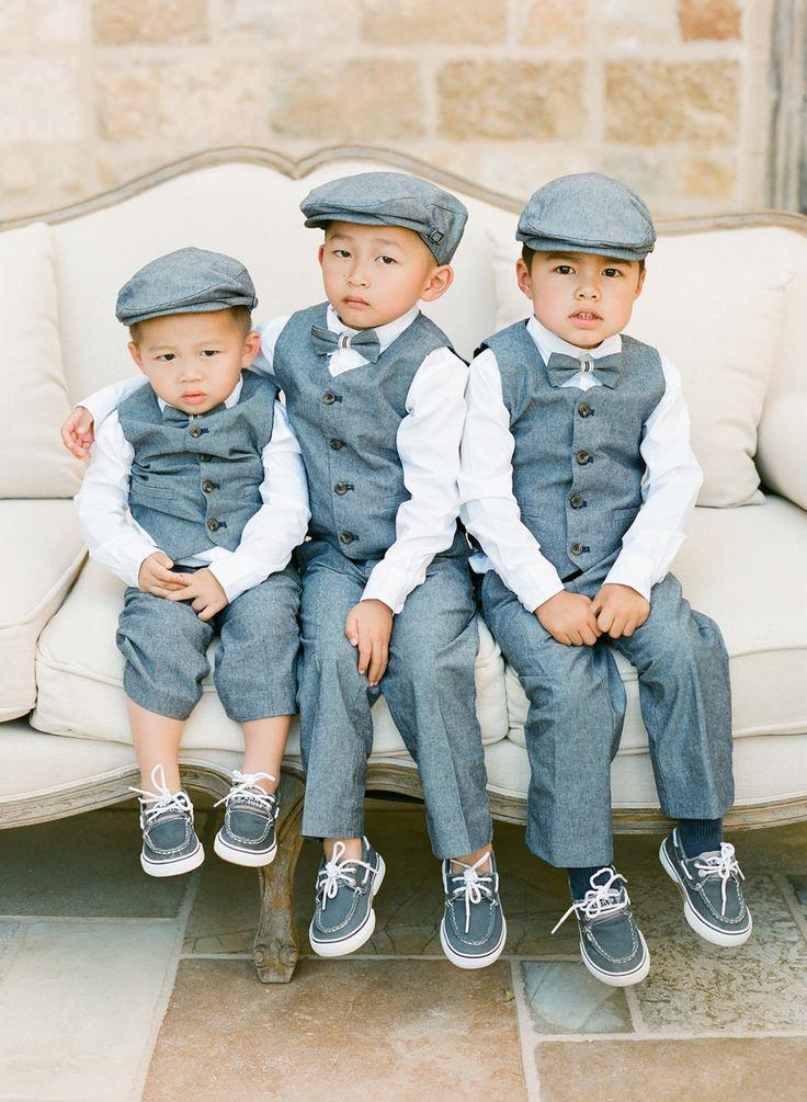 Hochzeit - Ring Bearers In Vests And Newsboy Caps