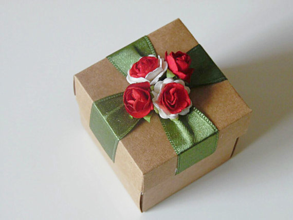 Wedding - 10 rustic kraft favor box with paper flowers, wedding, bridal shower, bridesmaids, baby shower, tea party gift box