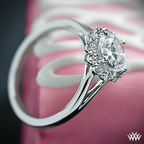 Hochzeit - 18k White Gold Verragio Split Shank Halo Solitaire Engagement Ring