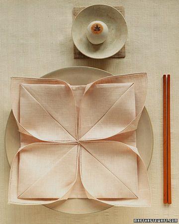Hochzeit - Lotus Napkin Fold