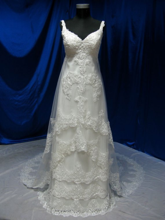 Свадьба - Custom made Extra Layer ---Satin and Lace Bateau Neckline Sweep Train A-Line Wedding Dress  made to order --- WD032