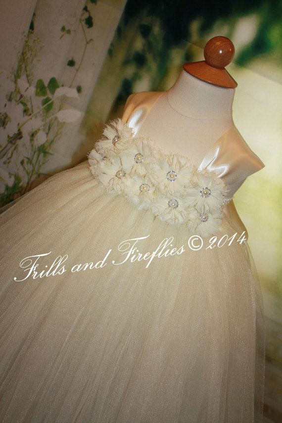 Свадьба - Ivory Flower girl dress, Shabby Chic Flowergirl Dress with Satin Ribbon Shoulder Straps, Weddings, Birthdays 18-24 Mo 2t,3t,4t,5t, 6