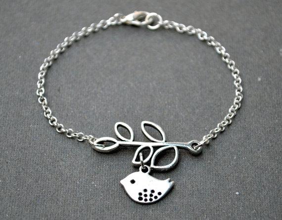 زفاف - 15%OFF Christmas sale, silver bird bracelet, bridesmaids bracelet bangle beadwork, chain charm eco boho friendship bracelet