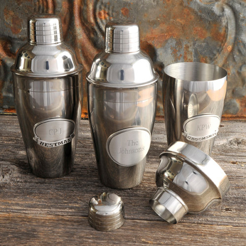 Свадьба - Cocktail Shaker w/Pewter Medallion - Personalized - Engraved Gifts for Groomsmen (871)