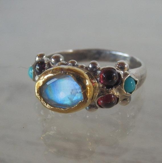 زفاف - Moonstone Ring, Unique Engagement Ring, 24K Solid Gold Faceted Moonstone Caterina Ring in Silver Band, Rainbow Moonstone, Valentine's Day