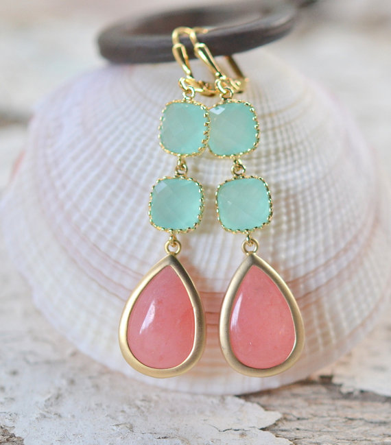 Düğün - Coral Pink and Aqua Dangle Earrings. Drop Earrings. Long Earrings. Statement Earrings. Bridesmaids Earrings. Wedding Earrings.