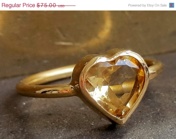 Свадьба - Citrine Heart Ring - November Birthstone Gold Ring - Romantic Stacking Ring - Engagement Ring - Handmade - VenexiaJewelry