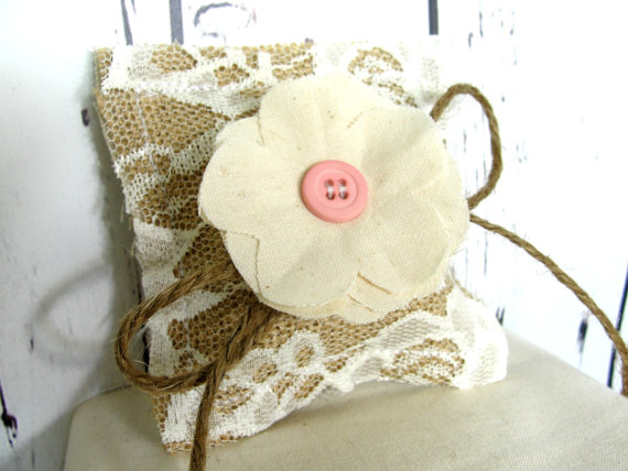 Mariage - Rustic PET Ring Bearer Pillow for Tiny Teacup DOG or PUPPY, Burlap and Lace Vintage Wedding Chic Fabric Flower, Custom button color