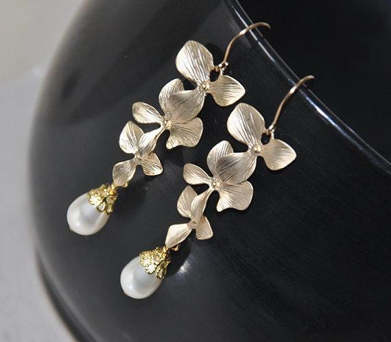 Wedding - Bridal Earrings, Dangle Earrings, Gold Earrings, Swarovski pearls, Gold Filled Earwires, Wedding Jewelry, Orchid Flowers