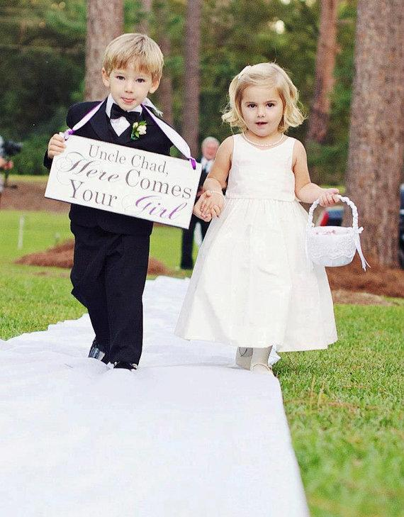 Mariage - Here Comes Your Girl with Uncle (Grooms Name) and/or And they lived Happily ever after. 8X16 in -  Wedding Sign. Ring Bearer