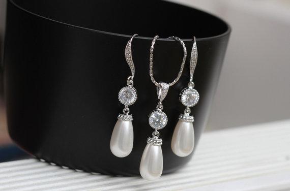 Mariage - pearl bridal jewelry set  pearl wedding jewelry pearl drop earring bridesmaid  jewelry