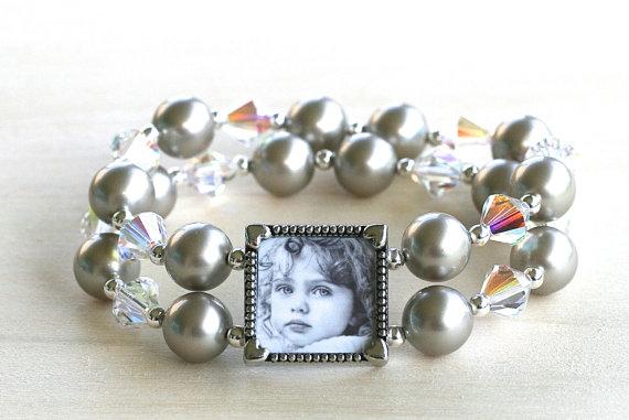 Mariage - Brides Bracelet, Wedding Bracelet, Bridal Jewelry, Mother of the Bride Bracelet, Mother of the Groom Bracelet, Wedding Pearls, Gift for Mom