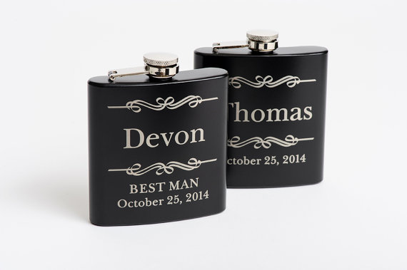 Свадьба - Personalized Groomsmen Gift, Engraved Flasks Personalized, Black Stainless Steel Flasks, Flasks