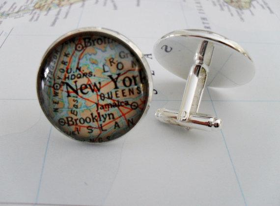 Свадьба - Custom Map Cufflinks // Groomsmen Gift // Anniversary// Xmas// You Pick the Location // 2 Sizes // Cuff Links // Mix and match locations
