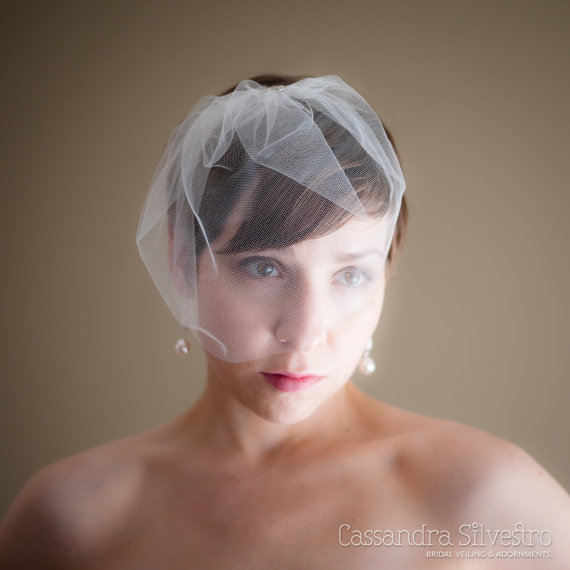 Свадьба - Small Tulle Birdcage Wedding Veil (Blusher Veil, Mini Veil, Bridal Veil, Bridal Illusion Tulle, Bird Cage Veil, Retro Veil)