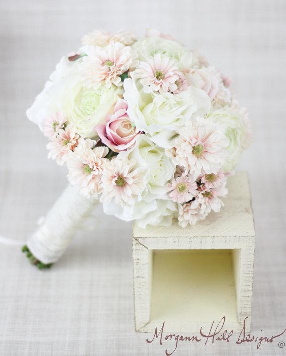 Свадьба - Silk Bride Bouquet Peony Peonies Roses Ranunculus Daisies Country Wedding Lace (Item Number 130116)