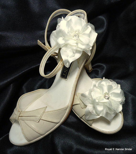 Wedding - Satin Organza shoe clips Set of 2 Flowers