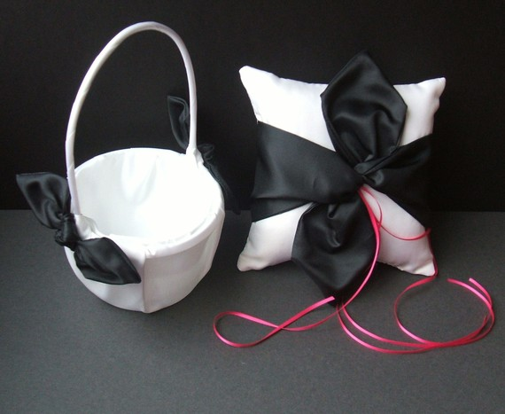 Свадьба - Knottie Style Flower Girl Basket and Ring Bearer Pillow Combo..You Choose The Colors..shown in white/black