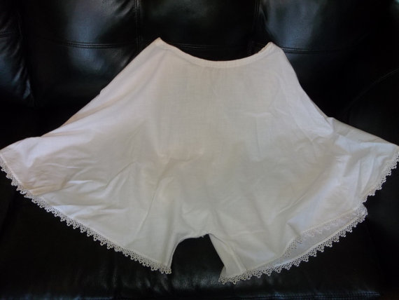 Mariage - Antique Victorian Bloomers...Tatted Lace...Drawstring waist...Good Condition