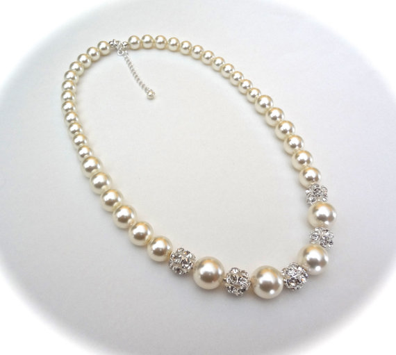 Mariage - Chunky pearl necklace ~ Graduating pearl necklace ~ Brides pearl necklace ~ Swarovski pearl sand crystals ~ Classic ~ Bridal jewelry ~LOLITA