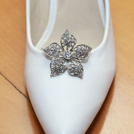 Hochzeit - A Pair Of Crystal Shoe Clips,Rhinestone Shoe Clips,Pearl Clips,Wedding Bridal Shoe Clips,Shoe Decoration,Floral Shoe Clips,Flower Shoe Clips
