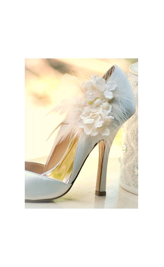 Mariage - Shoe Clips Ivory Hydrangeas. Elegant Bridesmaid Bride Wedding Pumps. More red lavender apple green hot pink tan. Pearl Feather Tulle Couture