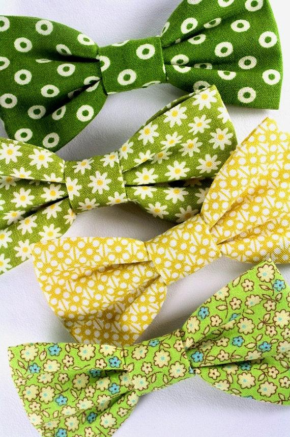 Hochzeit - Dog Cat Pet Bow Tie Bowtie Removable Flowers Daisy Green Yellow Floral Wedding