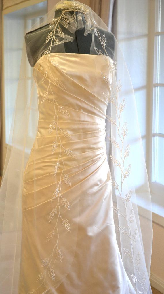 Свадьба - Ivory Cathedral Veil, Cathedral Mantilla Veil, Cathedral Length Wedding Veils, Wedding Veils Mantilla - Embroidered