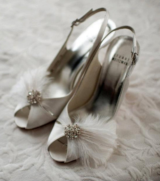 Hochzeit - Wedding Shoe Clips Featured on OneWed 1st page! Bridal Feather Shoe Clips - Sparkling Crystal Rhinestone Accents French Netting MANY COLORS