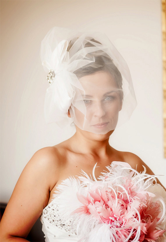 Mariage - Wedding veil birdcage bridal veil with statement bow  Bridal hair comb fascinator  with vintage rhinestone accent