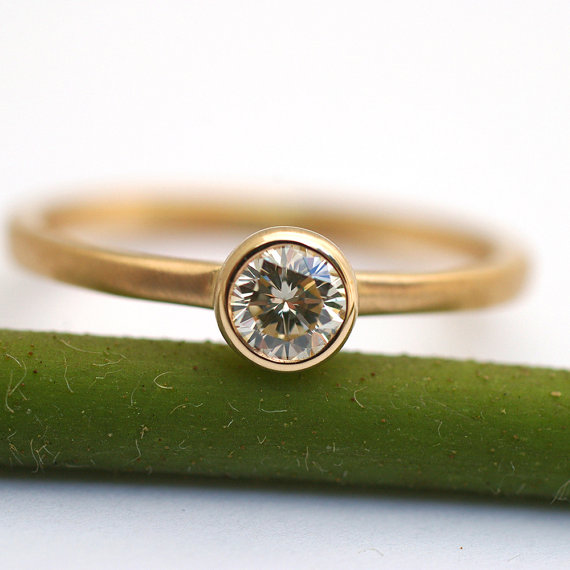 Mariage - Simple Diamond Engagement Ring