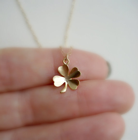 treasures i tiny silver clover tradesy roberto pendant lucky coin necklace charm