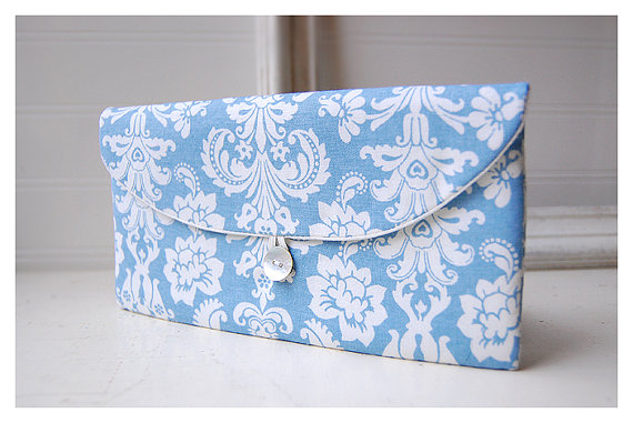 Свадьба - Shabby Chic clutch, Bridesmaid Gift, Bridesmaid Clutch, blue white, Wedding Favor, Shabby Chic gift, for her, cosmetic bag, damask, bridal