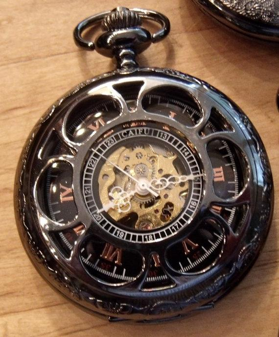 Свадьба - Black Pocket Watch with Chain Personalized Engravable Mechanical Groomsmen Gift Ships from Canada