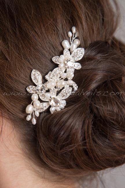 Hochzeit - Wedding Hair Comb, Bridal Headpiece, Crystal and Pearl Hair Comb, Wedding Hair Accessory - Shenise