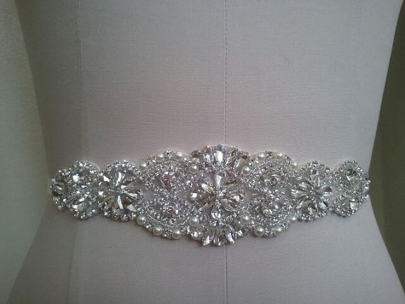 Свадьба - Wedding Belt, Bridal Belt, Sash Belt, Crystal Rhinestone & Off White Pearls  - Style B200099L