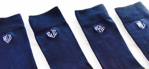 Свадьба - Black Mens Monogrammed Dress Socks, Monogrammed Groomsmen sock, Christmas Gift, Stocking Stuffer , Gift for Guys, Fall Mens Socks