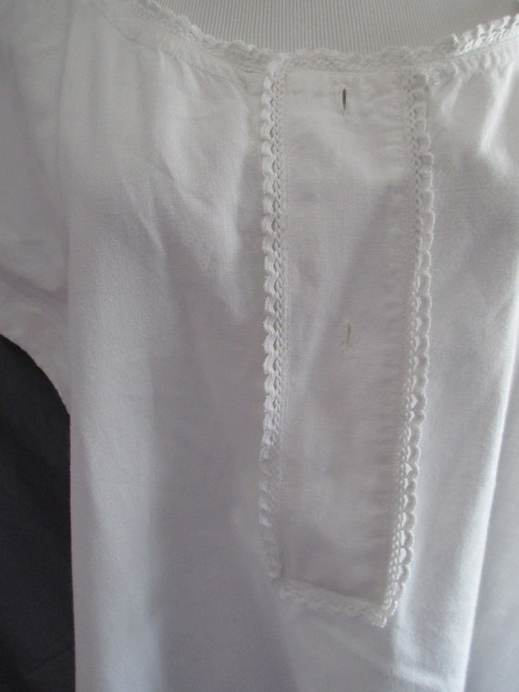 Mariage - Antique nightgown, late 1800's, white cotton, plain, simple, summer, homemade, not perfect