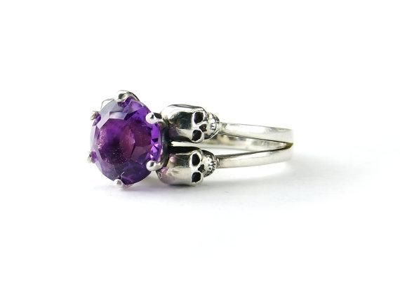 Mariage - Skull Wedding Ring Amethyst Sterling Goth Ring Dark Engagement Ring Purple Gemstone Womens Ring Birthstone Ring Februar Pisces All Sizes