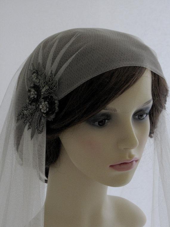 Свадьба - 1920s style wedding  veil -  couture bridal cap veil - cap veil with blusher -  Daring