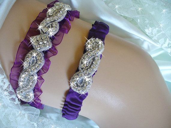 Свадьба - Plum Purple Organza Wedding Garter, Bridal Garter Belts, Purple Wedding Garter, Crystal Wedding Garter, Purple Rhinestone Garter